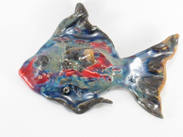 Ryba ceramiczna, zawieszka na ścianę, uformowana ręcznie z gliny w jednym egzemplarzu, kolorowa, oryginalna dekoracja łazienki, pokoju dziecinnego, salonu,