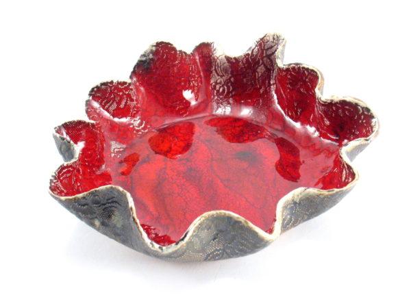 Czerwona misa ceramiczna