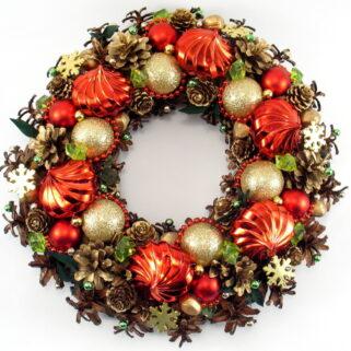 Czerwono-złoty wianek Bożonarodzeniowy