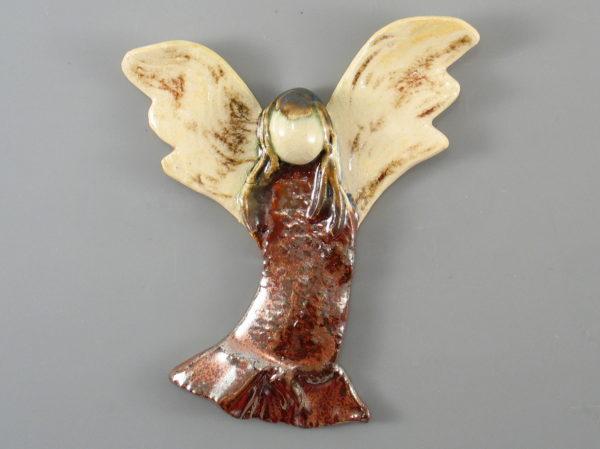 Aniołek ceramiczny miedziano-brązowy