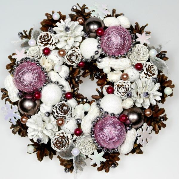 Mały wianek świąteczny biały z różowym