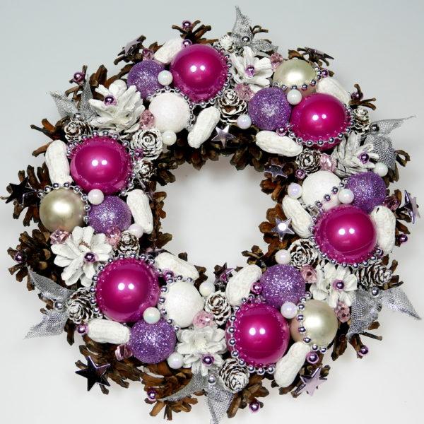 Wianek świąteczny lilaróż z białym