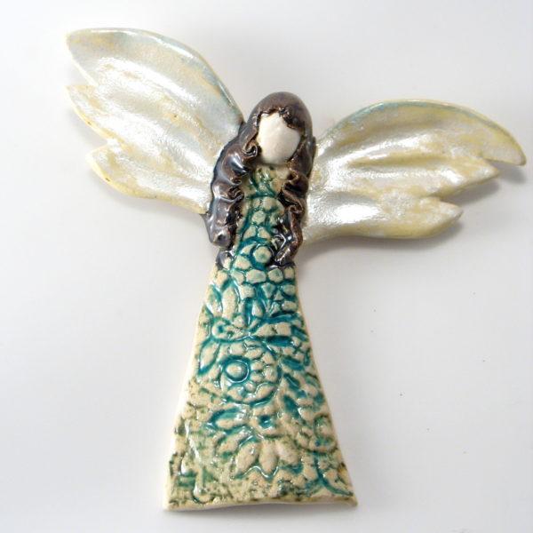 Anioł ceramiczny w koronkowej sukience