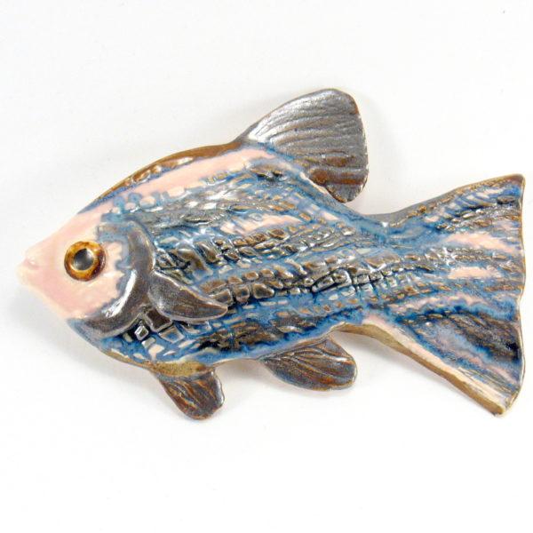Ryba ceramiczna szaro-niebieska, zawieszka na ścianę, uformowana ręcznie z gliny, kolorowa, oryginalna dekoracja łazienki, pokoju dziecinnego, salonu,