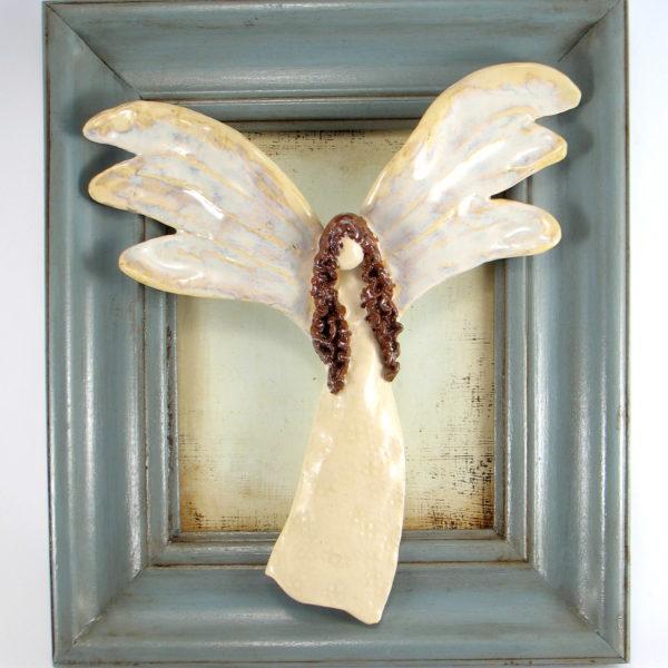 Rudowłosy anioł ceramiczny w ramie, zawieszka na ścianę, oprawiony w drewnianą, postarzaną ramę , doskonały prezent, jedyny i niepowtarzalny egzemplarz