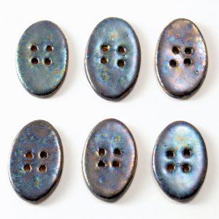 Guzik ceramiczny owalny grafitowy. Ręcznie lepiony z gliny