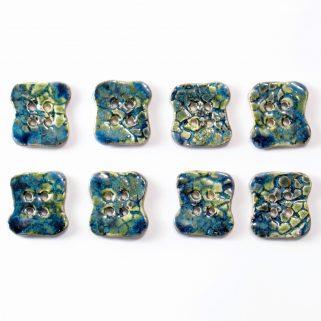 Guzik ceramiczny nieregularny granatowo-zielony oryginalny