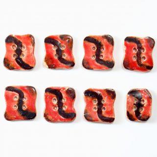 Guzik ceramiczny nieregularny czerwono-brązowy, ozdobny