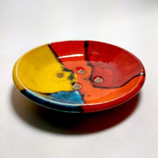Ceramiczna mydelniczka okrągła, ręcznie wykonana z gliny i glazurowana; do łazienki, do kuchni, do ubikacji.