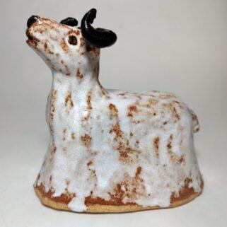 Baran cynamonowy - figurka ceramiczna