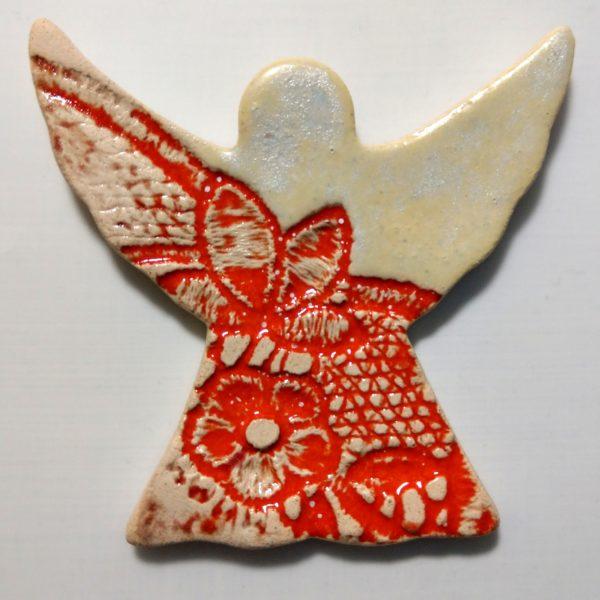 Pomarańczowo-biały aniołek-ceramiczny magnes
