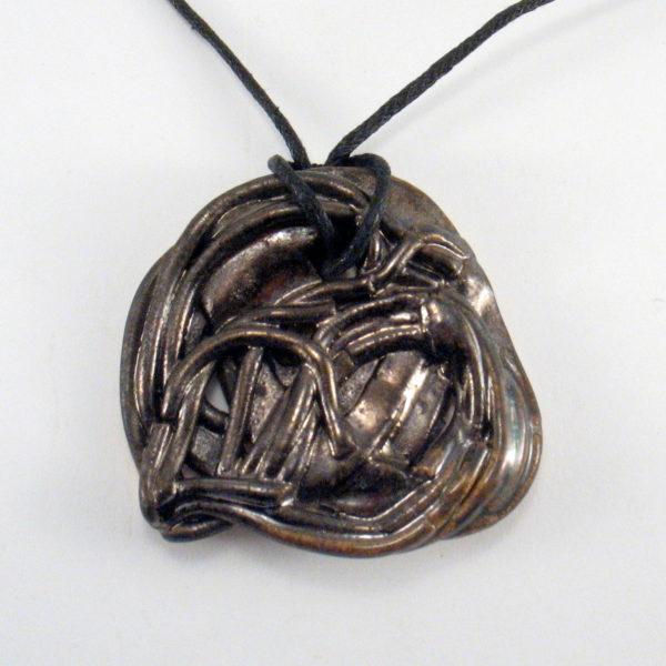 Wisior ceramiczny złoto-czarny