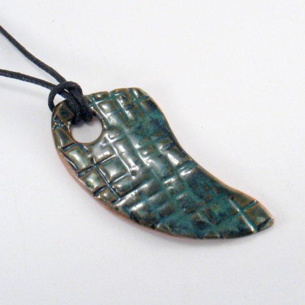Wisior ceramiczny zielony kieł
