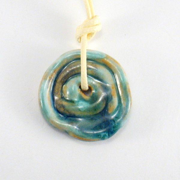 Wisior ceramiczny niebieski dysk