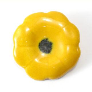 Broszka ceramiczna Żółty Kwiatek - wspaniały dodatek do ubrań,