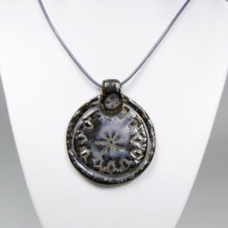 Wisior ceramiczny Mroczny Medalion