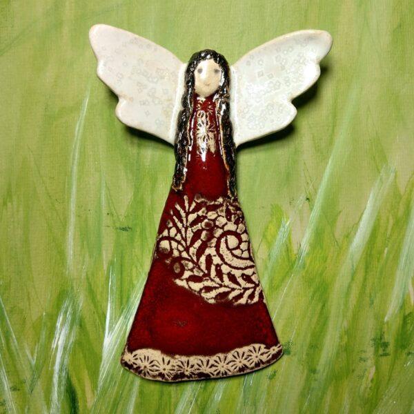 Anioł w czerwonej sukni