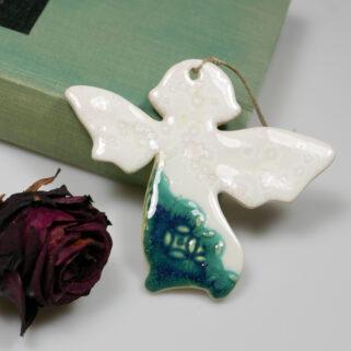 Aniołek ceramiczny na Boże Narodzenie, dekoracja do zawieszenia na ścianie, oknie lub choince. Unikalny, ręcznie wykonany prezent dla bliskich