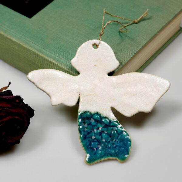 Turkusowy aniołek ceramiczny zawieszka