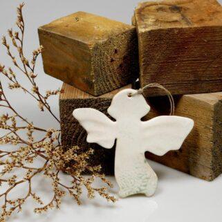 Prezent dla gości aniołek ceramiczny