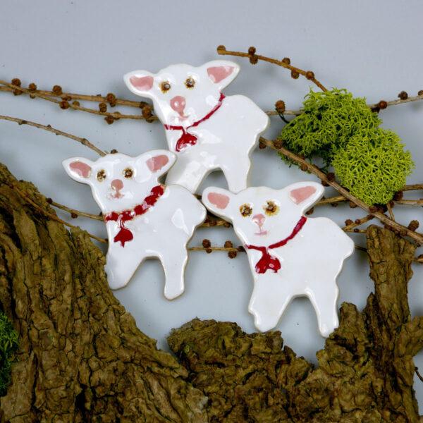 Ceramiczne baranki na Wielkanoc, dekoracja świąteczna i wiosenna, dodatek do wystroju stołu świątecznego, koszyczka ze święconką lub ściany.