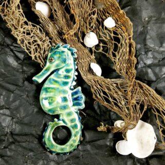 Ceramiczny Konik Morski - Zielonek marynistyczna ozdoba na ścianę