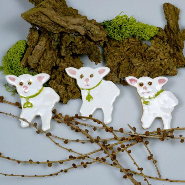 Ceramiczne baranki na Wielkanoc, wiosenna dekoracja świąteczna, dodatek do wystroju stołu świątecznego, koszyczka ze święconką lub na ścianę.