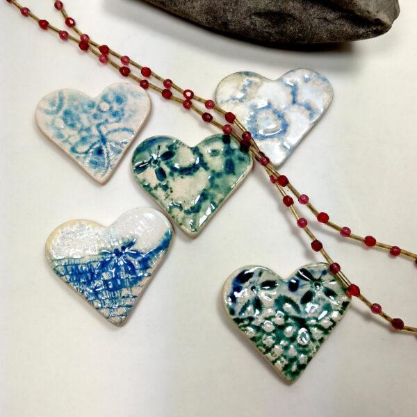 Kolorowe serca ceramiczne