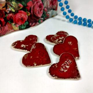 Czerwone serca ceramiczne