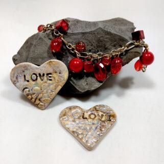 Perłowe serca z napisem