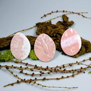Różowe jajka ceramiczne, wiosenna dekoracja, dodatek do wystroju stołu świątecznego, stroika, koszyczka ze święconką lub magnes.