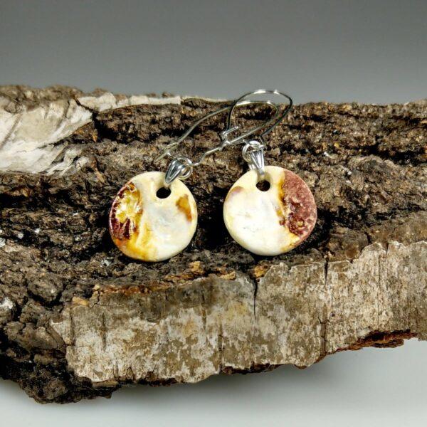 Kolczyki ceramiczne Zabawa Światłem, przykuwają uwagę, niepowtarzalne, ręcznie zrobione dla kobiety, która chce się wyróżnić.