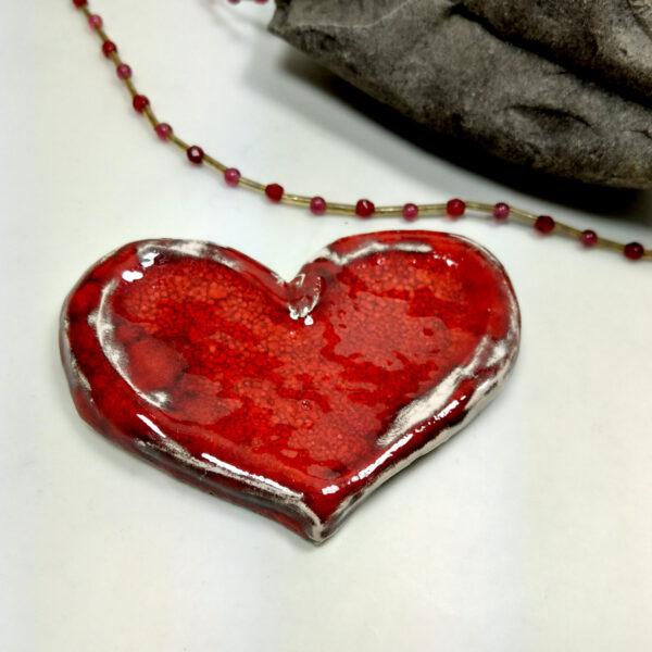 Czerwone serce ceramiczne