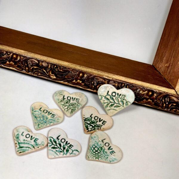 Zielone serca ceramiczne