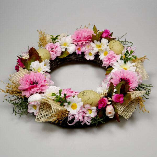 wianek z kwiatów dekoracja wiosenna