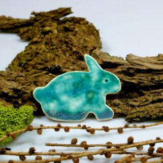 Ceramiczny zajączek na magnes, w kolorze turkusowym, ozdoba na Wielkanoc