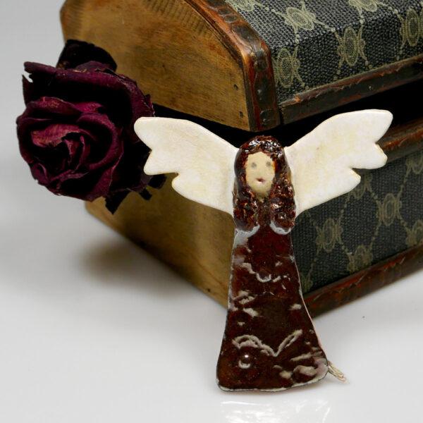 Ceramiczny Anioł Pomyślności, ręcznie wykonana zawieszka na ścianę, wspaniały prezent na imieniny. Dekoracja pokoju dziecięcego.