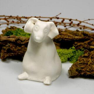 Baranek z porcelany biały figurka siedząca