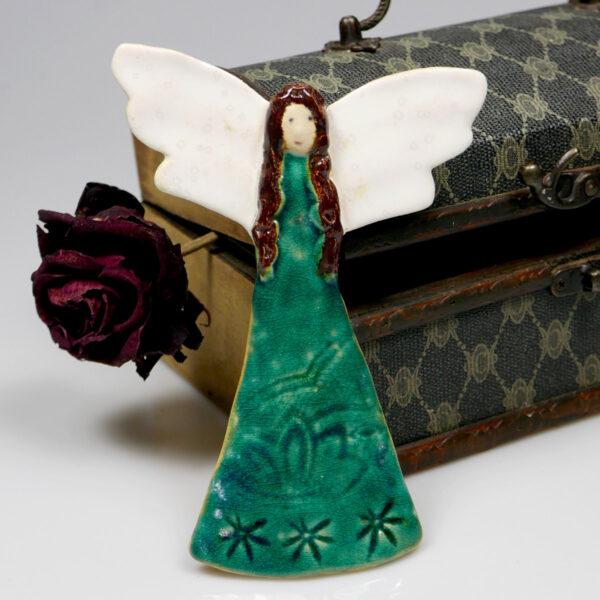 Anioł ceramiczny w turkusowej sukni zawieszka na ścianę
