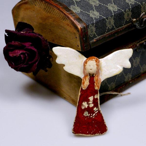 Ceramiczny Anioł Podróżnik, ręcznie wykonana zawieszka na ścianę, wspaniały prezent na urodziny. Dekoracja pokoju dziecięcego.