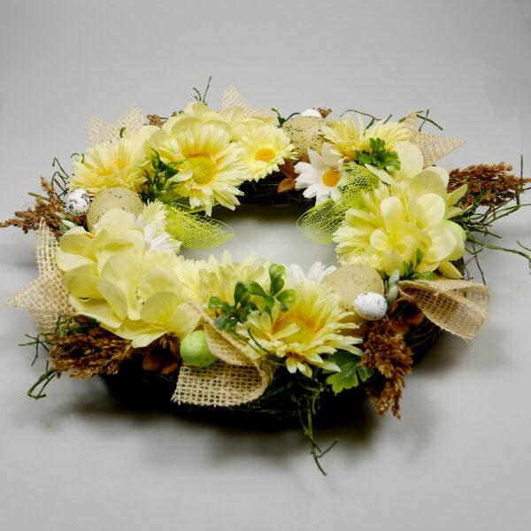 Żółty wianek z kwiatów