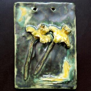 Płaskorzeźba ceramiczna - Żonkile